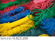 Купить «Цветные крученые шнуры», фото № 6823258, снято 3 января 2014 г. (c) Александр Романов / Фотобанк Лори