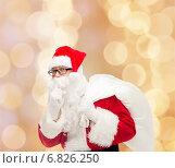 Купить «man in costume of santa claus with bag», фото № 6826250, снято 10 сентября 2014 г. (c) Syda Productions / Фотобанк Лори