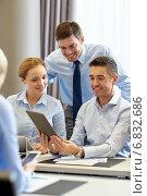 Купить «smiling business people with tablet pc in office», фото № 6832686, снято 25 октября 2014 г. (c) Syda Productions / Фотобанк Лори