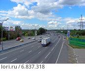 Купить «Плотное движени на МКАД в районе Гольяново», эксклюзивное фото № 6837318, снято 18 июля 2012 г. (c) lana1501 / Фотобанк Лори