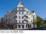 Купить «Berlin, Germany, residential housing in Schoeneberger Akazienkiez», фото № 6844102, снято 5 мая 2013 г. (c) Caro Photoagency / Фотобанк Лори