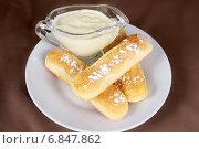 Купить «Палочки с соусом», эксклюзивное фото № 6847862, снято 5 января 2011 г. (c) Инна Козырина (Трепоухова) / Фотобанк Лори