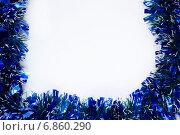 Новогодний фон с мишурой и местом для текста. Стоковое фото, фотограф Mariya L / Фотобанк Лори
