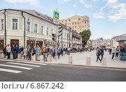 Купить «Пересечение Пятницкой улицы и Климентовского переулка», эксклюзивное фото № 6867242, снято 26 августа 2014 г. (c) Алёшина Оксана / Фотобанк Лори