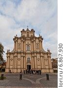 Купить «Церковь Святого Иосифа (Церковь Визитанток, 1761 г.) на улице Краковское Предместье в Варшаве, Польша», фото № 6867930, снято 18 октября 2014 г. (c) Иван Марчук / Фотобанк Лори