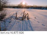 Купить «Морозный рассвет на реке Красивая Меча в Тульской области», фото № 6877926, снято 7 января 2015 г. (c) Валерий Боярский / Фотобанк Лори