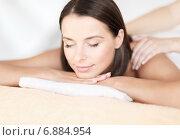 Купить «beautiful woman in spa salon getting massage», фото № 6884954, снято 25 июля 2013 г. (c) Syda Productions / Фотобанк Лори