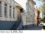 Купить «На улице Фрунзе в Таганроге», фото № 6896302, снято 19 апреля 2014 г. (c) Борис Панасюк / Фотобанк Лори