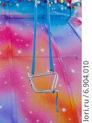 Купить «Кресло карусели в парке», фото № 6904010, снято 8 июня 2014 г. (c) Йомка / Фотобанк Лори