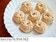 Купить «Буузы - бурятское и монгольское национальное блюдо», фото № 6914162, снято 26 сентября 2014 г. (c) Jan Jack Russo Media / Фотобанк Лори