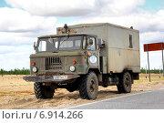 Купить «GAZ 66», фото № 6914266, снято 11 июля 2014 г. (c) Art Konovalov / Фотобанк Лори