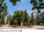 Купить «На Петровском бульваре в Азове», фото № 6915338, снято 10 июня 2014 г. (c) Борис Панасюк / Фотобанк Лори