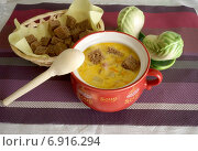 Купить «Сливочный суп с сухариками», фото № 6916294, снято 14 июля 2014 г. (c) Зябрикова Надежда / Фотобанк Лори
