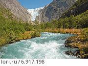 Быстрая горная река, питаемая ледником Бриксдалсбреен (2014 год). Стоковое фото, фотограф Анастасия Калинцева / Фотобанк Лори