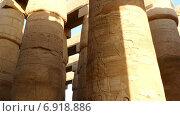 Купить «Колонны в Карнакском храме, Луксор, Египет», видеоролик № 6918886, снято 29 декабря 2014 г. (c) Михаил Коханчиков / Фотобанк Лори