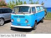 Купить «Volkswagen Transporter», фото № 6919858, снято 3 августа 2014 г. (c) Art Konovalov / Фотобанк Лори