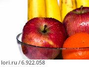 Стеклянная тарелка с фруктами. Стоковое фото, фотограф Митрофанов Роман / Фотобанк Лори