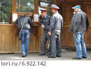 Сотрудник полиции (2012 год). Редакционное фото, фотограф Иван Вислов / Фотобанк Лори