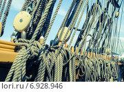 Купить «Блоки и полиспасты парусного судна», фото № 6928946, снято 20 июля 2014 г. (c) Игорь Соколов / Фотобанк Лори