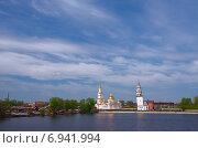 Купить «Невьянская наклонная башня и Спасо-Преображенский собор», фото № 6941994, снято 26 мая 2013 г. (c) Megapixx / Фотобанк Лори