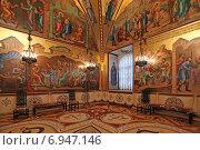 Внутреннее убранство Грановитой палаты, Московский Кремль (2015 год). Редакционное фото, фотограф Алексей Гусев / Фотобанк Лори