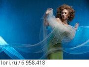 Купить «Сказочная девушка на голубом фоне», фото № 6958418, снято 1 февраля 2015 г. (c) Насонов Алексей / Фотобанк Лори