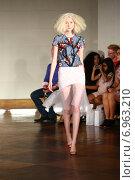 Купить «NEW YORK - SEPTEMBER 03: A Model walks runway for Victor de Souza Spring/Summer 2015 presentation during New York Fashion Week on September 03, 2014 in NYC.», фото № 6963210, снято 3 сентября 2014 г. (c) Anton Oparin / Фотобанк Лори