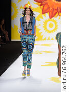 NEW YORK, NY - SEPTEMBER 04: A model walks the runway at Desigual during Mercedes-Benz Fashion Week Spring 2015 on September 4, 2014 in New York City. Редакционное фото, фотограф Anton Oparin / Фотобанк Лори