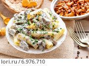 Macaroni with mushrooms. Healthy food. Стоковое фото, агентство BE&W Photo / Фотобанк Лори