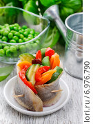 Купить «Pickled herring rolls with vegetables. Festive dish», фото № 6976790, снято 15 июля 2018 г. (c) BE&W Photo / Фотобанк Лори