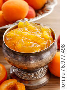 Купить «Bowl of apricot jam. Healthy food», фото № 6977498, снято 16 июля 2018 г. (c) BE&W Photo / Фотобанк Лори