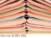 Купить «Открытые книги, сложенные друг на друга», эксклюзивное фото № 6981434, снято 5 февраля 2015 г. (c) Юрий Морозов / Фотобанк Лори