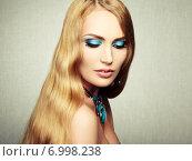 Купить «Photo of beautiful woman with magnificent hair. Perfect makeup», фото № 6998238, снято 15 декабря 2013 г. (c) Ingram Publishing / Фотобанк Лори
