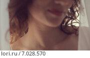 Купить «Лицо привлекательной девушки крупным планом», видеоролик № 7028570, снято 11 февраля 2015 г. (c) Denis Mishchenko / Фотобанк Лори