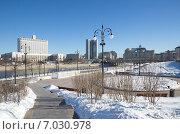 Купить «Московский городской пейзаж», эксклюзивное фото № 7030978, снято 17 февраля 2015 г. (c) Елена Коромыслова / Фотобанк Лори