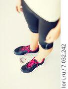 Купить «woman legs standing on scales», фото № 7032242, снято 15 мая 2013 г. (c) Syda Productions / Фотобанк Лори