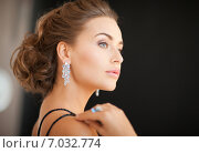 Купить «woman with diamond earrings», фото № 7032774, снято 17 марта 2013 г. (c) Syda Productions / Фотобанк Лори
