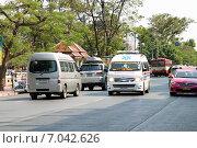 Купить «Скорая помощь на центральной улице Бангкока. Таиланд», фото № 7042626, снято 13 января 2015 г. (c) Chere / Фотобанк Лори