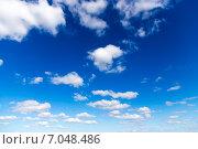 Купить «Облака в голубом небе», эксклюзивное фото № 7048486, снято 17 сентября 2014 г. (c) Сергей Лаврентьев / Фотобанк Лори