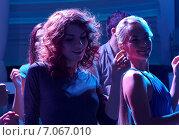 Купить «group of happy friends dancing in night club», фото № 7067010, снято 20 октября 2014 г. (c) Syda Productions / Фотобанк Лори