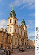 Купить «Католический костел Святого Креста (1696 г.) в Варшаве, Польша», фото № 7067690, снято 20 октября 2014 г. (c) Иван Марчук / Фотобанк Лори