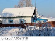 Купить «Домик в деревне зимой», фото № 7069918, снято 21 декабря 2014 г. (c) Марина Орлова / Фотобанк Лори