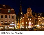 Центр старой Риги (Латвия) с вечерней подсветкой (2013 год). Редакционное фото, фотограф Svetlana Mihailova / Фотобанк Лори