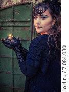 Купить «Хеллоуин, макияж, девушка, свеча», фото № 7084030, снято 30 октября 2013 г. (c) Наталья Степченкова / Фотобанк Лори
