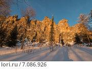 Купить «Каменная стена», фото № 7086926, снято 14 февраля 2015 г. (c) Максим Косарев / Фотобанк Лори