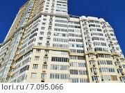 Жилой комплекс «Солнце». 33-этажный монолитный жилой дом. Ельнинская улица, 28. Москва (2015 год). Редакционное фото, фотограф lana1501 / Фотобанк Лори