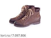 Купить «Походные ботинки на белом фоне», фото № 7097806, снято 3 октября 2010 г. (c) Мария Разумная / Фотобанк Лори