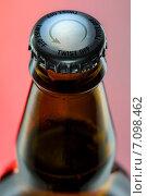 Купить «Откручивающаяся крышка бутылки», фото № 7098462, снято 5 декабря 2014 г. (c) Andriy Bezuglov / Фотобанк Лори