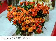 Букет оранжевых роз. Стоковое фото, фотограф Ольга Сейфутдинова / Фотобанк Лори