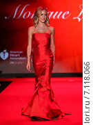NEW YORK, NY - FEBRUARY 12:Kristin Cavallari walks the runway at the Go Red For Women Red Dress Collection 2015 presented by Macy's fashion show during MBFW Fall 2015 at Lincoln Center on February 12, 2015 in NYC. Редакционное фото, фотограф Anton Oparin / Фотобанк Лори